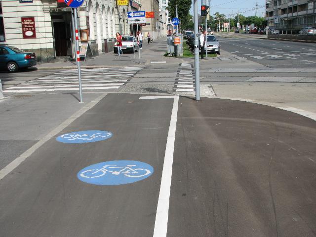 Wien kaskisuuntainen pyörätie ilman kaistoja