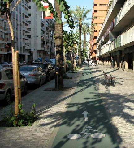 Sevilla yksisuuntainen vihreä pyörätie